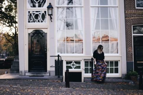 billie-rose-blog-outfit-fall-escada-maxi-skirt-amsterdam-114-van-5